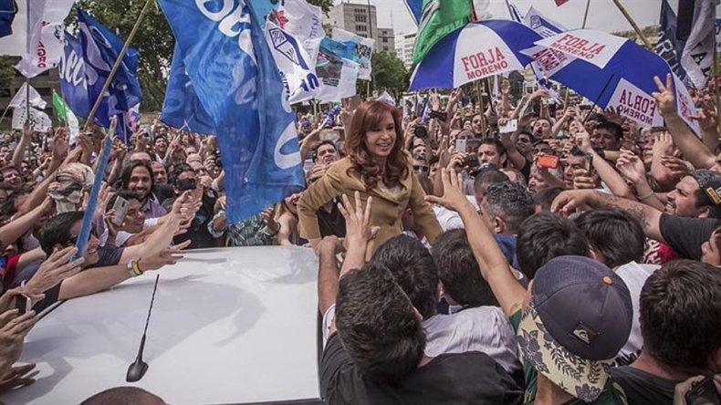 Cristina Kirchner recibió renovadas muestras de afecto.