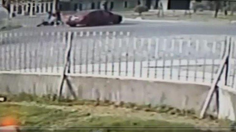 Motociclista salió ileso tras un impresionante accidente en Km 8