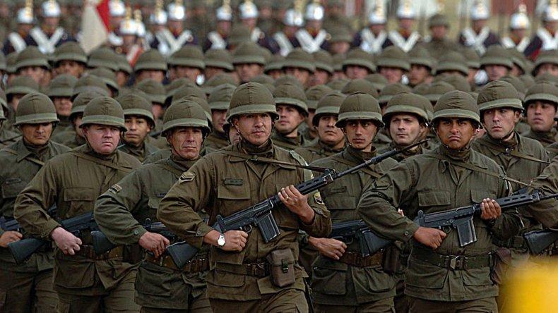 El Gobierno autorizó el envío de militares a Colombia