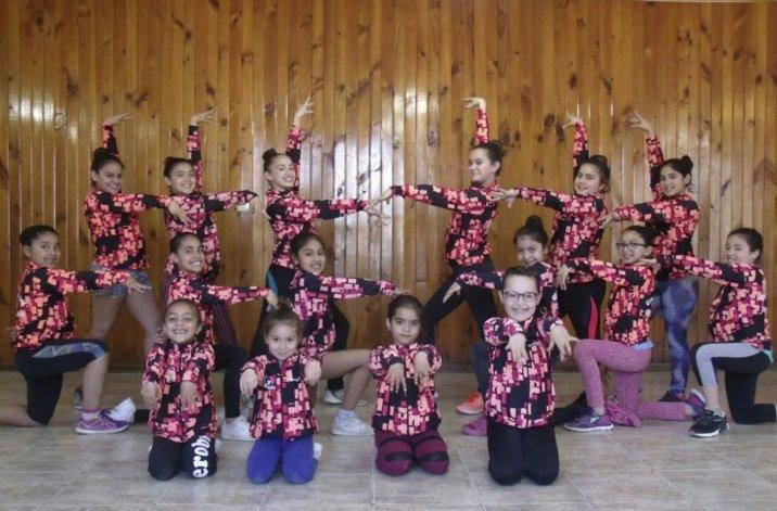 Las niñas de la Escuela Municipal de Gimnasia Aeróbica de Don Bosco están listas para competir en Uruguay.