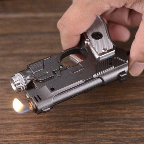 Creían que caminaba armado y llevaba un encendedor con forma de pistola
