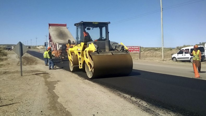 Vialidad ya ejecuta la repavimentación de la ruta 1 entre Km 8 y Caleta Córdova