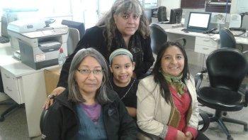 Fabiana Antiñir, Liliana Ancalao, Verónica Páez y Unelem Cárdenas Páez son representantes de la comunidad Ñanculawen e invitan a la comunidad al acto de hoy.
