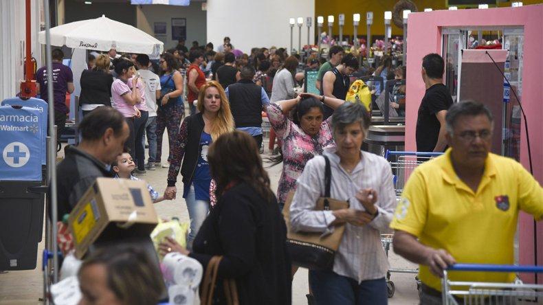 El éxito del Black Friday ya se podía observar ayer en las dos sucursales de Comodoro Rivadavia.