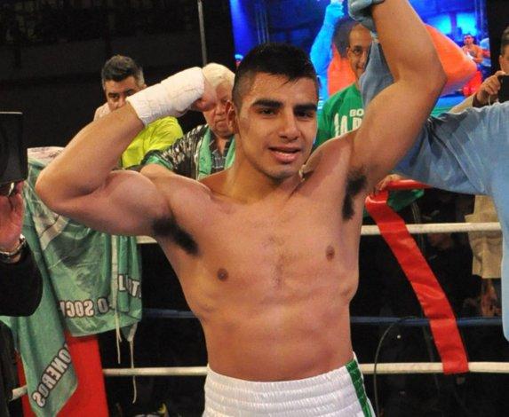 Sebastián Aguirre se presentará esta noche en Tandil en el combate de semifondo.