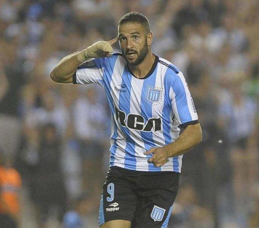 Lisandro López será uno de los delanteros esta noche en el ataque de Racing.