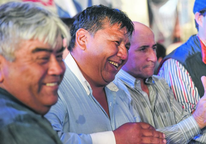 Representantes del Sindicato Petrolero negocian en Buenos Aires un bono navideño