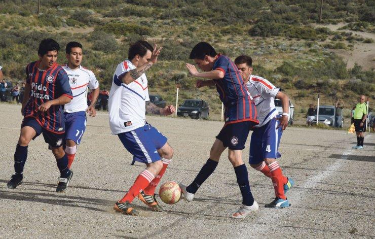 Diadema y USMA cerraron un empate sin proyección y sin goles en Km 27.