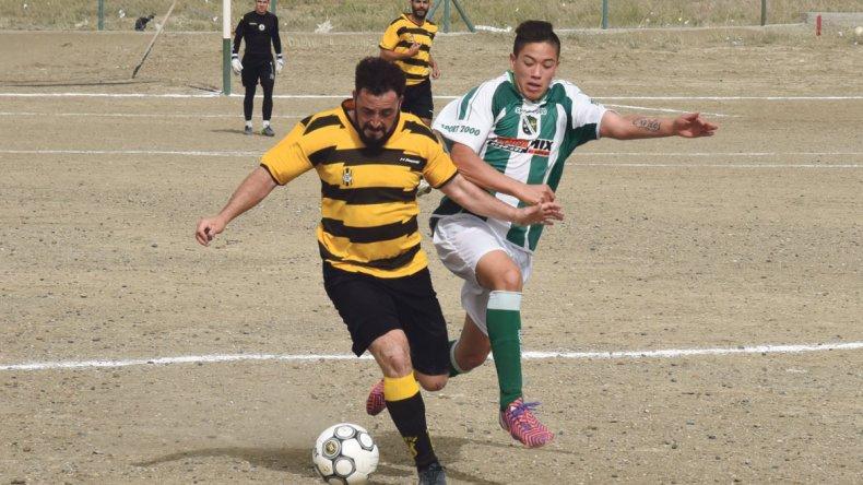 Rada Tilly no pudo con Laprida y empató en un gol ayer en el Far West.