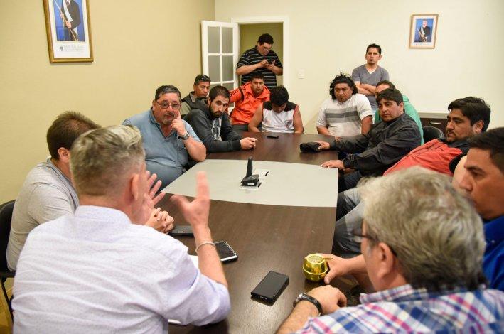 La reunión donde los representantes de AOT pidieron elevar a 15.000 pesos la ayuda mensual de Provincia.