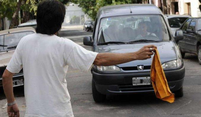 Los trapitos llegan a recaudar hasta 24 mil pesos al mes