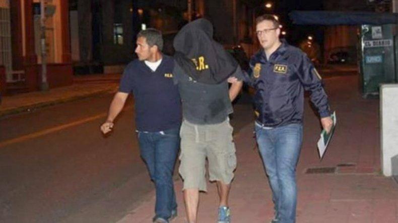 La detención del suboficial de Prefectura durante la noche del sábado.