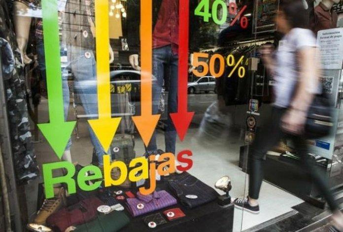 Las ventas minoristas cayeron por décimo mes y culpan a las saladitas