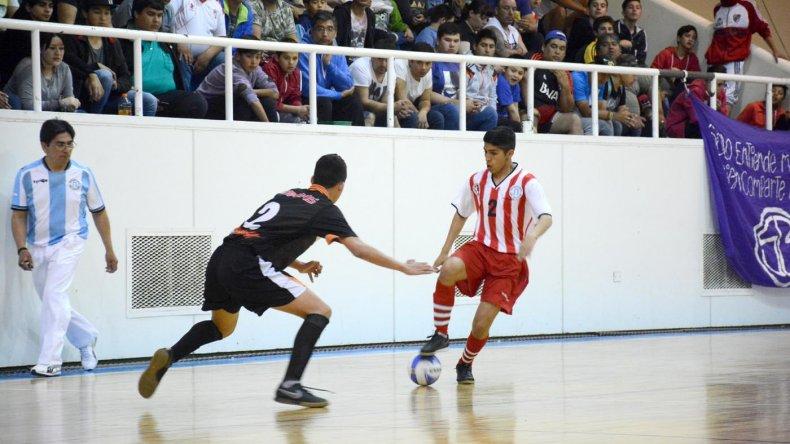 Comodoro empató ante Rosario en el arranque del Argentino