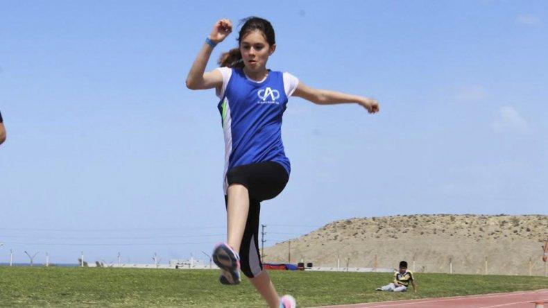 El atletismo se prepara para otro sábado de mucha competencia en la pista de Kilómetro 4.