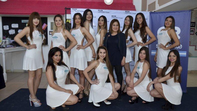 Las doce seleccionadas para Reina del Petróleo son Araceli Faisca