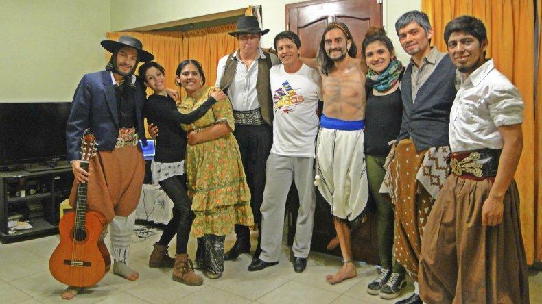 La obra El Gaucho. Una cicatriz pintada a cuchillo se estrenará el viernes a las 21 en el teatro de la Escuela de Arte.