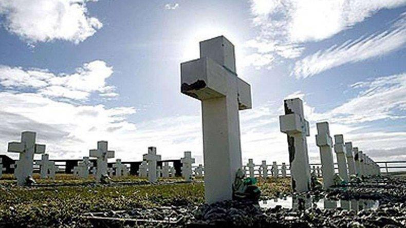 Ex combatientes quieren identificar a los soldados enterrados como NN