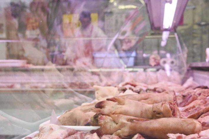 Chubut  presentará un amparo para impedir el ingreso de carne porcina