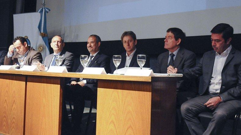 Jefes comunales debatieron sobre la problemática del consumo de drogas.