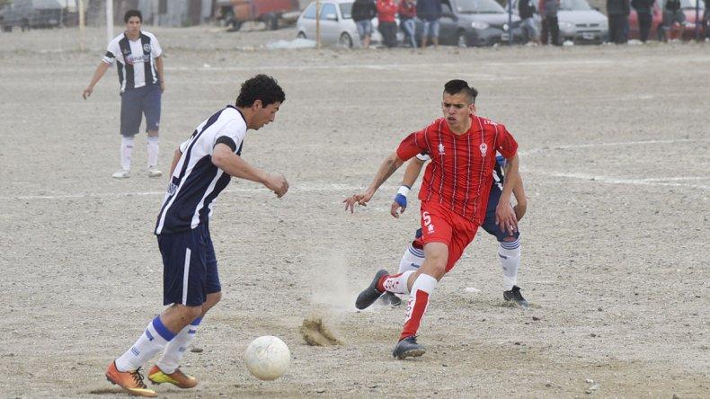 Ferro perdió la categoría en un partido suspendido por incidentes