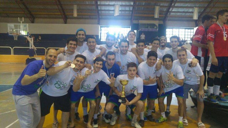 El plantel de Chubut y el festejo por el histórico 3er puesto en el Argentino Juniors A.