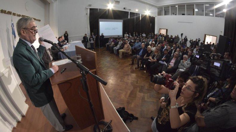 El gobernador aportó pruebas de una zona liberada en Trelew