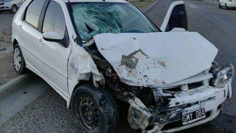 El Fiat Palio que atropelló hace siete días a Analía Gallardo. Su conductor estaba alcoholizado.
