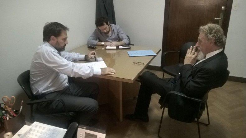 La reunión que Julián Gadano mantuvo con el senador nacional por Chubut Alfredo Luenzo.