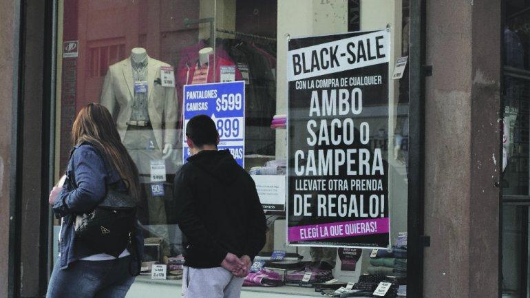 Los comercios buscan distintas estrategias y promociones para intentar mejorar el nivel de ventas.