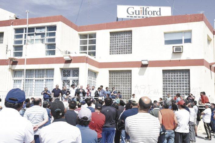 Los operarios de Guilford llevan más de 50 días de conflicto y los propietarios les adeudan tres quincenas.