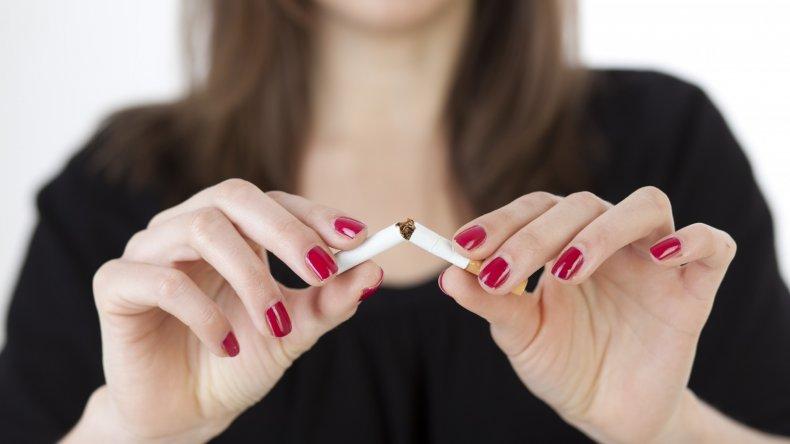 El tabaco causa cientos de mutaciones genéticas en todos los fumadores