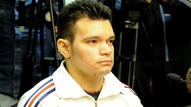 Azcona escucha el veredicto por el crimen de la estudiante chilena.