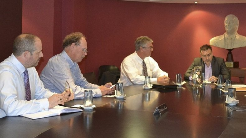 El ministro Leonardo Alvarez y el titular del Instituto de Energía