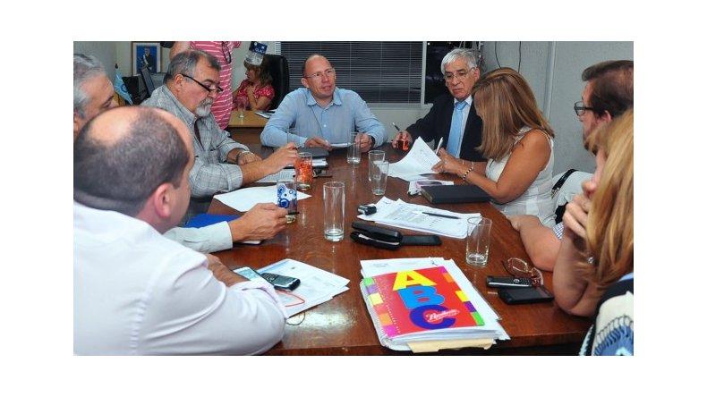 El Gobierno de Chubut y la Asociación de Trabajadores de la Educación alcanzaron un acuerdo paritario.