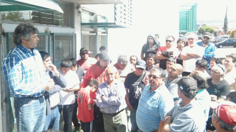 Los trabajadores cobraron los 12 mil pesos comprometidos por Provincia