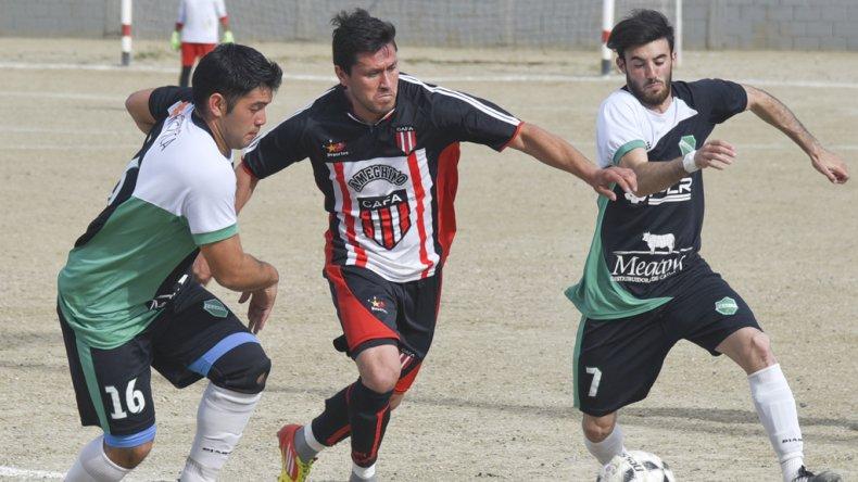 Florentino Ameghino se quedó con un valioso triunfo que le permite seguir en lo más alto del torneo Final A.