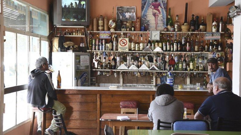 El Chaparral es otro de los bares que resiste el paso del tiempo.