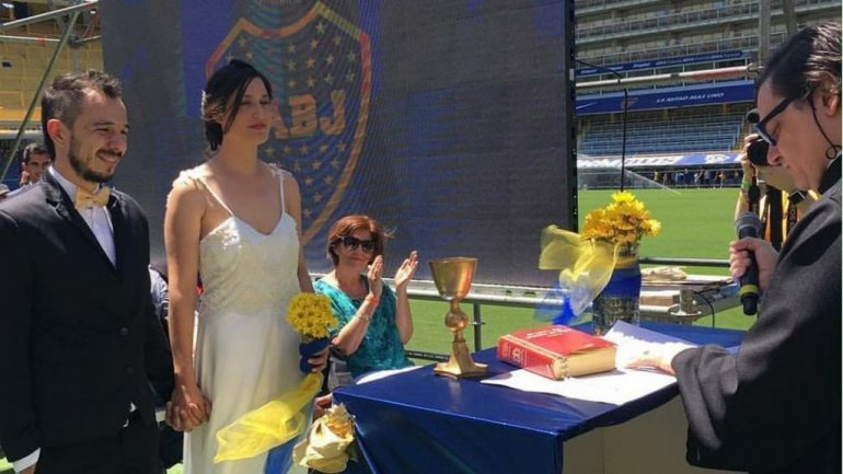 Dos fanáticos de Boca se casaron en la Bombonera