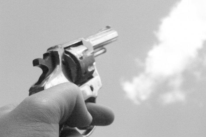Tras una persecución fue detenido por efectuar tiros al aire