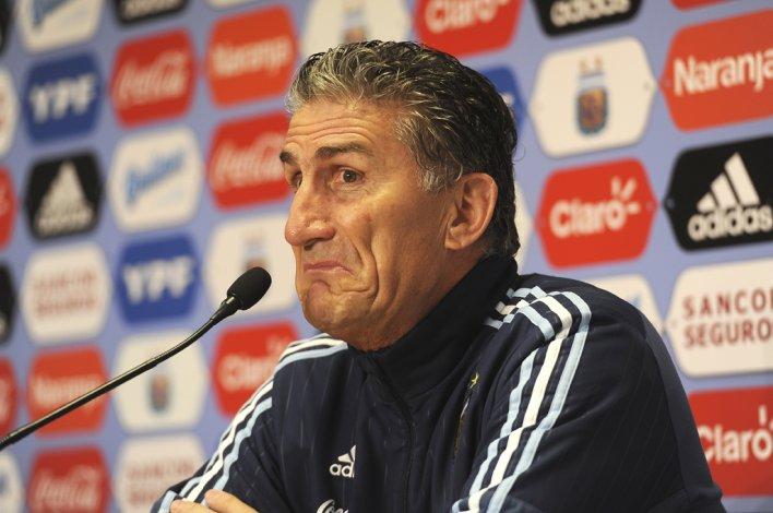 Edgardo Bauza durante la conferencia de prensa que brindó ayer al mediodía en el predio que la AFA posee en Ezeiza.