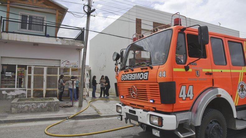 Marlene Solís agradeció la rápida intervención de Bomberos Voluntarios del Destacamento 1 que llegaron a tiempo para sofocar el incendio.