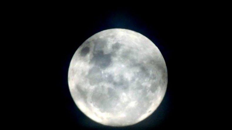 Así se vio la Superluna en la ciudad