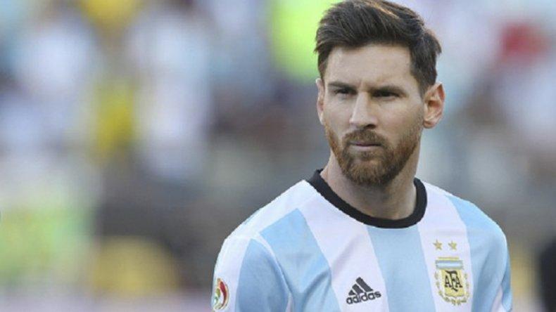 El crack Lionel Messi intentará esta noche guiar a la victoria a una Argentina que busca volver a jugar bien y ganar.