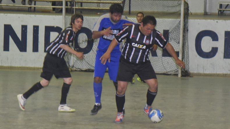 El fútbol de salón continuó el fin de semana con la disputa del torneo Clausura.
