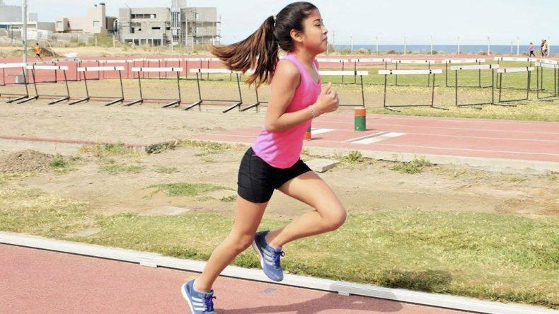El atletismo tuvo intensa actividad el último sábado en la pista de solado sintético.