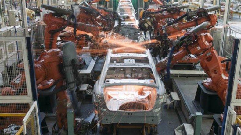 La UIA confirma la contracción en el sector industrial.