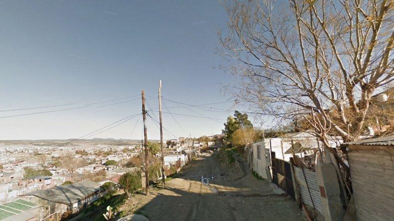 Vecinos reclaman por una vivienda usurpada en barrio Las Flores