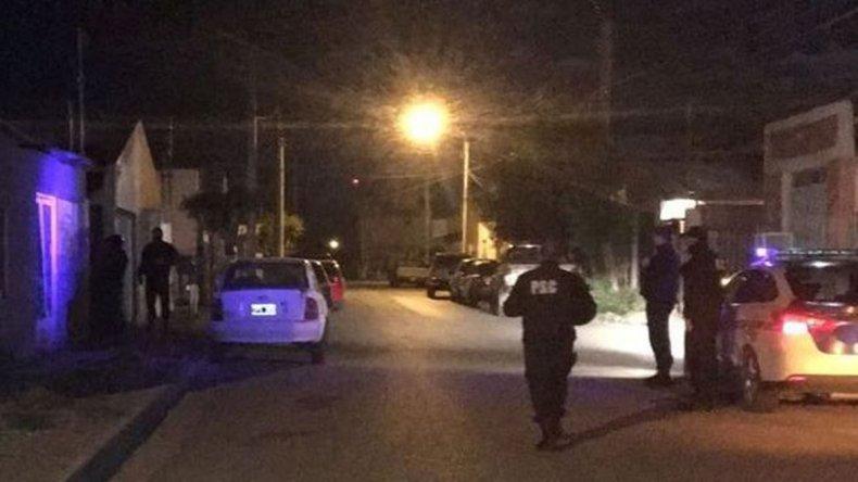 Efectivos policiales allanaron una vivienda del barrio Perón de Las Heras y detuvieron al presunto autor del homicidio.