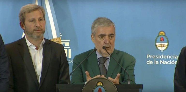El gobernador Mario Das Neves rescató la oportunidad que tuvo para hablar con Macri de otros temas al originalmente convocante. En la imagen junto a Rogelio Frigerio quien hoy estará en Chubut.